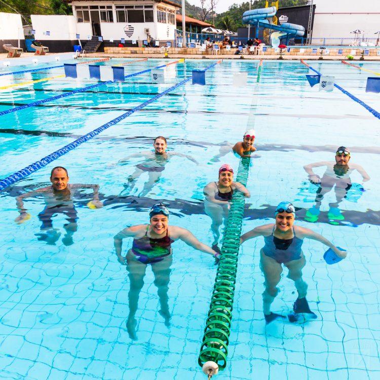 Essa turma sorridente aí da foto é a equipe ACPD Clube Álvares Cabral de Natação.